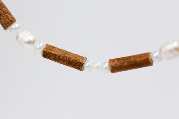 Гердан от леска с мъниста от естествени сладководни перли -А04
