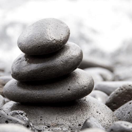 Гривни и колиета от естествени и вулканични камъни