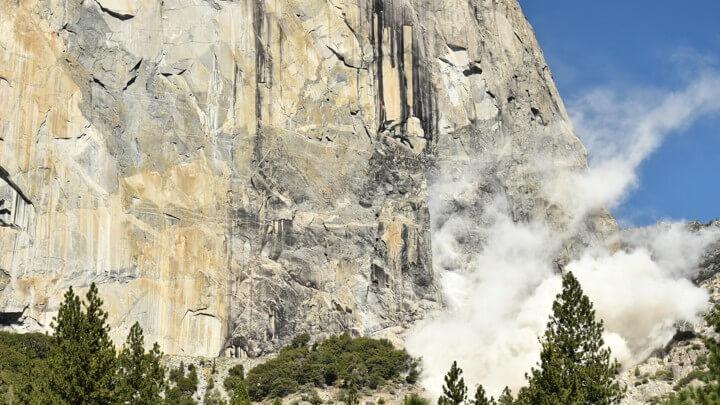 Вулканични камъни
